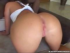 Slutie gives skilful blowjob to black guy. She passionately slurps his fat dick.