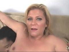 Mature whore has already cumed but she still eagers for more.