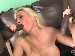 This bitch is doing amazing blowjob in the room