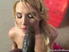 In this porn video you can see brave Lexi Kartel