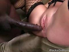 Sexy Madelyn Monroe is having deep sexual intercourse