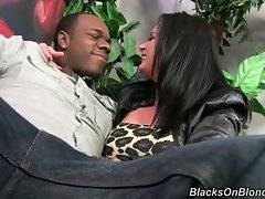 Hot Tory Lane is ready to give begining black guy some lessons.