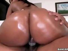 Pretty black chick with big boobs and booty loves to get fucked.