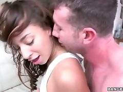Turned on white dude thoroughly penetrates ebony hottie.